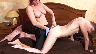 FOOT FETISH AND LESBIAN DOMINATION