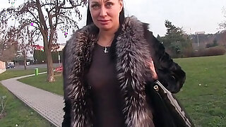 Busty tourist bangs in fake agent outdoor