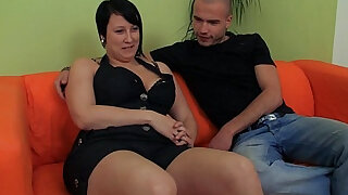 Hot plumper enjoys pussy licking and fingering and cock riding