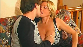 XXX Sophie Vieilles Salopes aux Gros Nichons Old Bitches with the Large Tits French Mature
