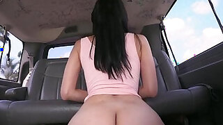 Lovely bubble butt latina Jessi gets fucked for money