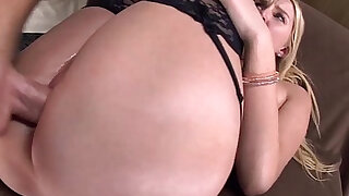 Vanessa Cage is a Deep Throating Perfect Ass White PAWG