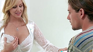 blonde amateur milf julia ann takes young cock
